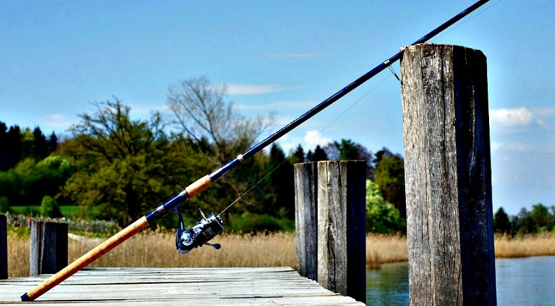 Best Fishing Rod and Reel Combo 2019 - Spinning vs Baitcasting?