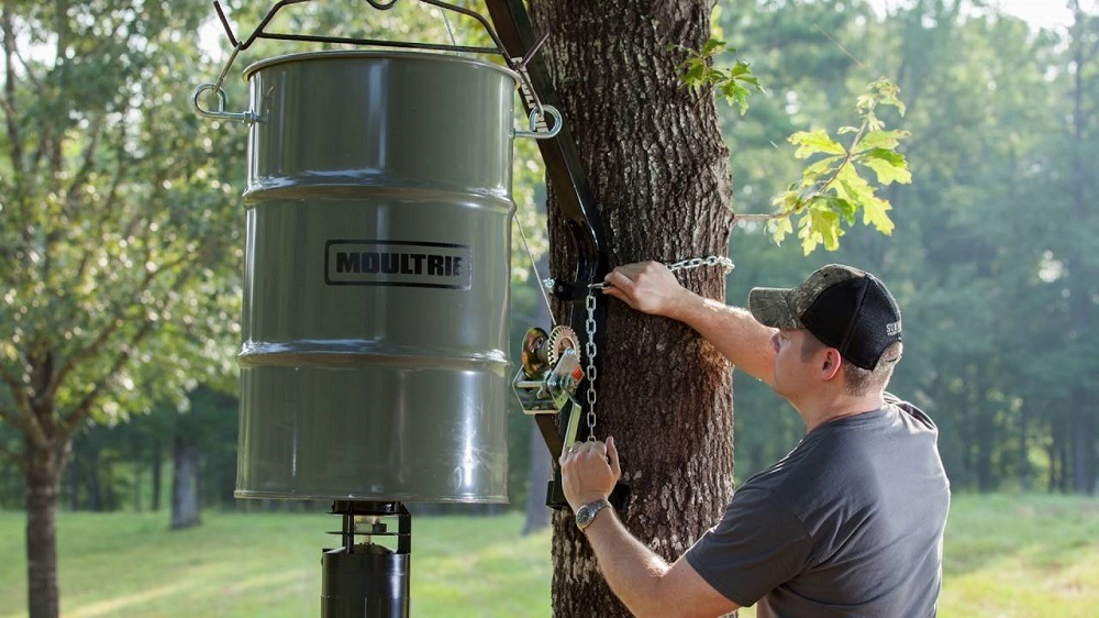 6 Best Deer Feeders 2019 - A Complete Review Guide